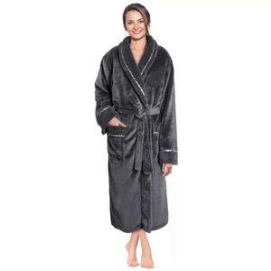 Everly Quinn | NEW Women's Lamson Fleece Bathrobe